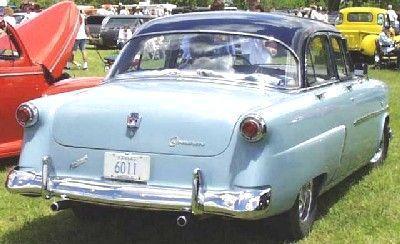 1952_ford_4dr_sedan_211